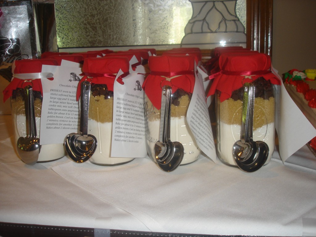mason-jar-cookie-favors